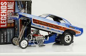 【送料無料】模型車 モデルカー スポーツカー プリマスホイップル1971 plymouth cuda whipple amp; mcculloch dragster funny car 118 auto world ertl