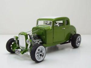 【送料無料】模型車 モデルカー スポーツカー フォードカスタムホットロッドガスモンキーガレージグリーンメタリックモデルカーford custom hot rod gas monkey garage 1932 grn metallic, modellauto 118 gr