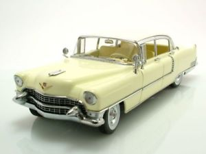 【送料無料】模型車 モデルカー スポーツカー キャデラックフリートウッドシリーズイエローホワイトモデルカーライトcadillac fleetwood series 60 special 1955 gelbwei, modellauto 118 greenlight