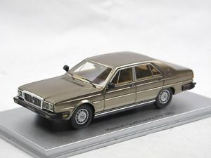 【送料無料】模型車 モデルカー スポーツカー マセラティマセラティクアトロポルテブロンズスケールモデルkess scale models 1983 maserati quattroporte iii 49 bronze 143