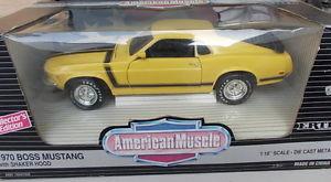 【送料無料】模型車 モデルカー スポーツカー フォードボスムスタングシェーカーフードertl 118 ford boss mustang 1970 with shaker hood yellow