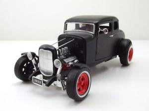 【送料無料】模型車 モデルカー スポーツカー フォードカスタムホットロッドモデルカーグッズford custom hot rod 1932 matt schwarz, modellauto 118 greenlight collectibles