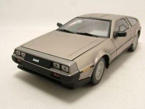 【送料無料】模型車 モデルカー スポーツカー ドクーペモデルカーサンde lorean dmc12 coupe 1981, modellauto 118 sun star