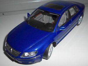 【送料無料】模型車 モデルカー スポーツカー フォルクスワーゲンフェートンautoart 118 vw phaeton