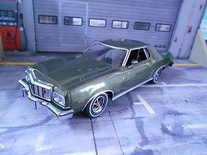 【送料無料】模型車 モデルカー スポーツカー フォードグラントリノグラントリノクーペグリーンライトグリーングリーンford gran torino grantorino coupe 1974 green grn met v8 greenlight sp 118