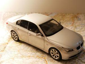【送料無料】模型車 モデルカー スポーツカー バージョンkyosho bwm 5er silber bwm dealer version art 80430153201 118