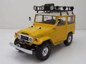 【送料無料】模型車 モデルカー スポーツカー トヨタモデルカートリプルtoyota land cruiser fj40 1967 gelbwei, modellauto 118 triple9