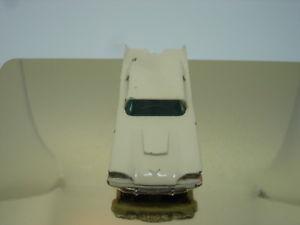 【送料無料】模型車 モデルカー スポーツカー モコマッチフォードサンダーバードシルバーmatchbox 175 moko lesney nr 75 a ford thunderbird 1960 67mm silberpr dunkelbla