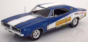 【送料無料】模型車 モデルカー スポーツカー ハワイアン118 ertlauto world dodge charger rt hawaiian 1969