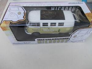 【送料無料】模型車 モデルカー スポーツカー ライトフォルクスワーゲンフォルクスワーゲンマイクロバスロッジgreenlight 118 volkswagen vw microbus t1 1962 space age lodge