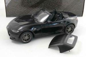 【送料無料】模型車 モデルカー スポーツカー ソフトブラックマツダトリプルmazda mx5 mit softtop 2015 schwarz 118 triple9