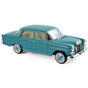 【送料無料】模型車 モデルカー スポーツカー メルセデスmercedes 200 1966 moosgreen 118 183577 norev