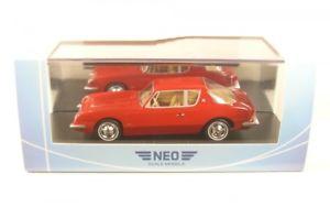 【送料無料】模型車 モデルカー スポーツカー studebaker avanti red 1963