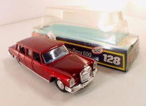 【送料無料】模型車 モデルカー スポーツカー メルセデスベンツdinky toys gb 128 mercedes benz 600 en boite