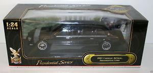 【送料無料】模型車 モデルカー スポーツカー キャデラックデビルプレリムジンroad signature 124 24018 01 cadillac deville pres limo