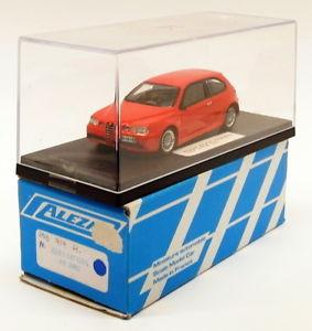 【送料無料】模型車 モデルカー スポーツカー スケールキットアルファロメオalezan 143 scale resin built kit 253 2002 alfa romeo 147 gta v6 red
