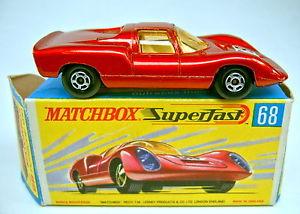 【送料無料】模型車 モデルカー スポーツカー マッチボックスポルシェメタリックレッドmatchbox sf nr68a porsche 910 rotmetallic in frher h box
