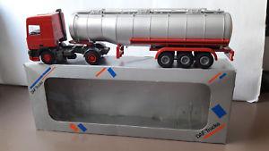 【送料無料】模型車 モデルカー スポーツカー ライオンタンクトレーラータンクローリーデモプロモーションlion toys daf 95 tank auflieger tankwagen metall 150 org in ovp demo promo