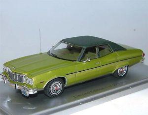 【送料無料】模型車 モデルカー スポーツカー スケールモデルフォードグラントリノブロアムドアkess scale models, 1976 ford gran torino brougham 4door, green, 143