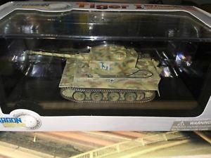 【送料無料】模型車 モデルカー スポーツカー ドラゴンアーマータイガータンクタンクヴェルdragon armor 172 tiger i tankcarro armatopanzerkampfwagentanque