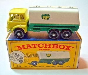 【送料無料】模型車 モデルカー スポーツカー マッチベッドフォードタンカーボックスmatchbox rw 25c bedford tanker grnwei bp in e1 box