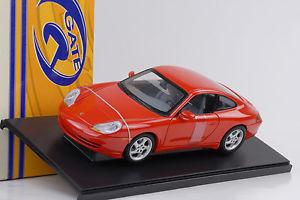 【送料無料】模型車 モデルカー スポーツカー ポルシェカレーペレッドゲートゲートウェイ2001 porsche 911 996 carrera coupe rot 118 gate gateway