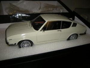 【送料無料】模型車 モデルカー スポーツカー モデルアウディクーペホワイトホワイト118 kkmodell audi 100 coupe c1 whiteweiss limited edition in ovp