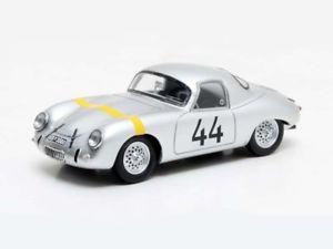 【送料無料】模型車 モデルカー スポーツカー マトリックスポルシェロードスターシルバー
