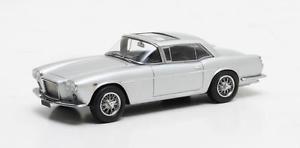 【送料無料】模型車 モデルカー スポーツカー マセラティマセラティグアテマーペピニンファリーナシルバーマトリックスmaserati 5000 gt coup by pininfarina silver 1961 matrix 143 mx51311031