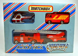 【送料無料】模型車 モデルカー スポーツカー マッチアクションボックスセットmatchbox convoy cy201 feuerwehr action set in box