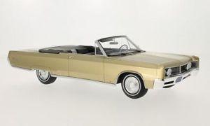 【送料無料】模型車 モデルカー スポーツカー ベージュボスモデルchrysler port convertible, metallicbeige, 118, bosmodels