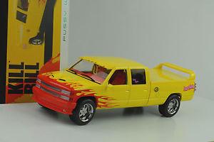 【送料無料】模型車 モデルカー スポーツカー シボレーキャビンカスタムムービービル1997 chevrolet custom c2500 crew cab movie kill bill vol 1 118 greenlight