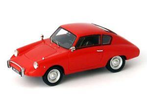 【送料無料】模型車 モデルカー スポーツカー カルトautocult jamos gt 1962 red 143 atc06010