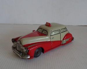 【送料無料】模型車 モデルカー スポーツカー タクシーancien joustra auto taxi friction rf 2020 tole circa 1960 excellent etat 14 cm
