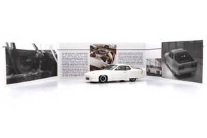 【送料無料】模型車 モデルカー スポーツカー ポルシェカーカルトporsche 924 world record car museum weiss weltrekord 1333 neu autocult 143