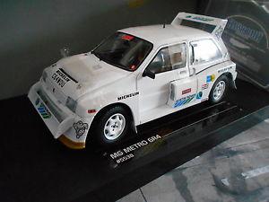 【送料無料】模型車 モデルカー スポーツカー ラリーセナホワイトサンスターmg metro 6r4 rallye grb senna white weiss testcar sun5538 1986 sunstar 118