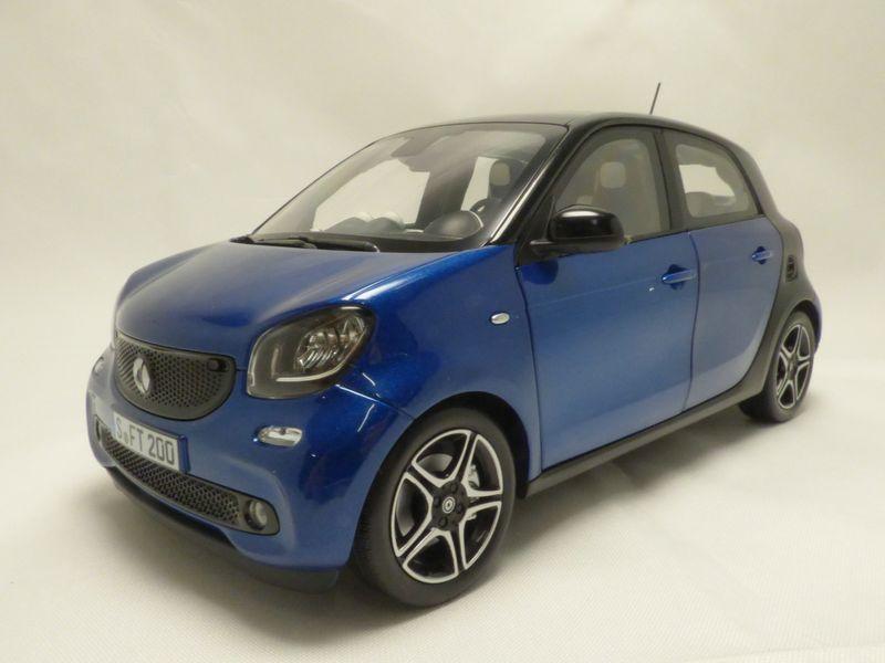 【送料無料】模型車 モデルカー スポーツカー スマートフォーフォーノワールsmart forfour noir amp; bleu 2015 118