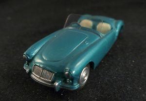 【送料無料】模型車 モデルカー スポーツカー コーギーカブリオレcorgi gb n 302 mga cabriolet peu frquent jamais jou