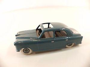 【送料無料】模型車 モデルカー スポーツカー デモテーブルプジョーレアsolido dmontable 193 peugeot 403 rare
