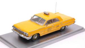 【送料無料】模型車 モデルカー スポーツカー シボレービスケーンタクシーニューヨークモデルモデルchevrolet biscayne 1963 taxi nyc york city 143 model kess model