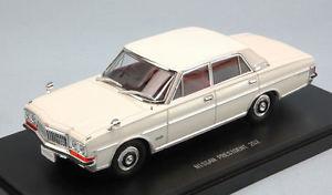 【送料無料】模型車 モデルカー スポーツカー ホワイトモデルnissan president 252 1987 white 143 model 45306 ebbro