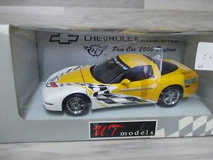【送料無料】模型車 モデルカー スポーツカー モデルシボレーコルベットペースカーデイトナut models 118 chevrolet corvette pace car 2000 daytona