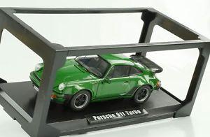 【送料無料】模型車 モデルカー スポーツカー ポルシェターボグリーンメタリック1977 porsche 911 930 33 turbo grn metallic 118 norev 187545