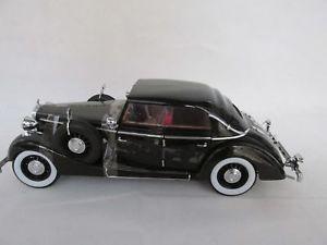 【送料無料】模型車 モデルカー スポーツカー マイバッハブラックモデルシグネチャーモデルmaybach sw 38 cabrio schwarz modell 118 von signature models