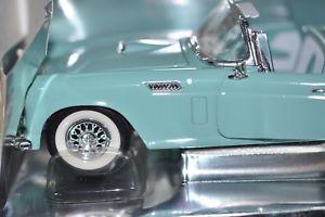 【送料無料】模型車 モデルカー スポーツカー フォードサンダーバードメタルトップrevell 118 56 ford thunderbird metall top raritt amp; combine with other