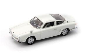 【送料無料】模型車 モデルカー スポーツカー マティーニタイプカルトmartinibmw 700 type 4 white autocult 143 av60005