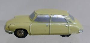 【送料無料】模型車 モデルカー スポーツカー ピッコロシトロエンschuco piccolo 719 citroen ds 19