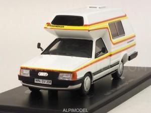 【送料無料】模型車 モデルカー スポーツカー アウディキャンピングヴァンファミリーカルトaudi 100 camping van bischofberger family 143 auto cult 09003