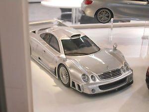 【送料無料】模型車 モデルカー スポーツカー メルセデスベンツレーシングクーペシルバーmercedes benz clk gtr coupe v12 silber 1998 gt154 resin racing n gt spirit 118