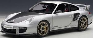 【送料無料】模型車 モデルカー スポーツカー シルバーポルシェグアテマラautoart 77961 porsche 911 997 gt2 rs in silber 118 neu ovp